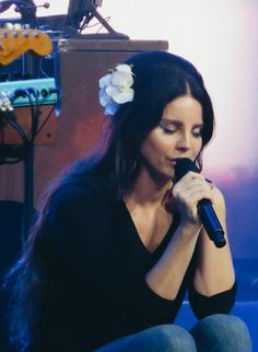 August 1, 2017: Lana Del Rey performs at House of Blues in Anaheim #LDR