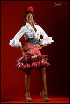 Trajes de Flamenca Sevilla Spanish Dress, Spanish Dance, Gypsy, Flamenco Skirt, Fiesta Outfit, Cowgirl Dresses, Spanish Fashion, Moda Boho, Mexican Dresses