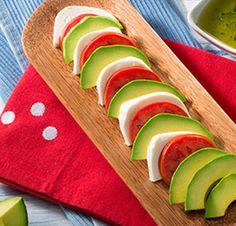 Avocado Salad Center I Avocados From Mexico Ripe Avocado, Avocado Salad, Avocado Toast, Salad Recipes Healthy Lunch, Avocado Recipes, Healthy Food, How To Store Avocado, Avocados From Mexico, Homemade Honey Mustard