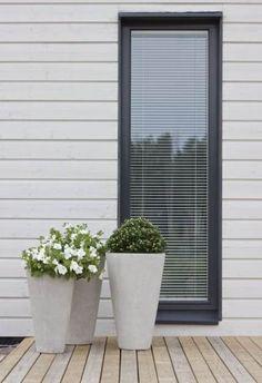 Ideas Exterior Cladding Grey Window Frames For 2019 Best Exterior Paint, Exterior Paint Colors For House, Paint Colors For Home, Weatherboard Exterior, Exterior Cladding, Shiplap Cladding, Exterior Shutters, House Cladding, Facade House