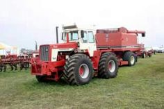 IH 4166 FWD W/IH 1470 Pull Type Combine