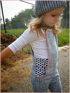 Sewing pattern for toddler pants. Charles *pattern Compagnie M.*: