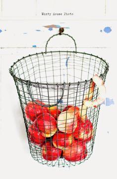Minty House likes apples, basket, zinc