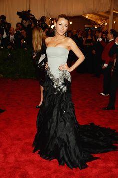 Todas las fotos de celebrities y de alfombra roja de la gala del MET 2013: Blake Lively de Gucci Premiere