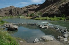 Snively, Malheur County Snively Hot Springs is a rustic hot springs on edge of Owyhee River, Vale BLM district.