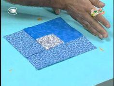 """La cabaña de troncos o log cabin es una de las técnicas más fáciles de realizar. Se trabaja con 2 juegos de telas que formarán los troncos y un cuadrado de tela central conocido como """"chimenea"""". La técnica consiste en cortar las telas de un mismo ancho e ir formando un cuadrado. Con estos cuadrados se pueden confeccionar fundas para cojines, cua..."""