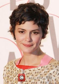 Audrey Tautou Drops Out Of Karlovy Vary Film Festival After Bike Accident - Hair Style Short Wavy Pixie, Curly Pixie Hairstyles, Short Choppy Hair, Short Curly Haircuts, Curly Hair Cuts, Curly Hair Styles, Hairstyles 2016, Pixie Cut, Trendy Hairstyles