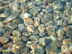 124041-pebbles-under-water.jpg (624×468)