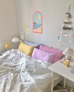 Shared by 𝒜𝓏𝓊𝓇𝑒 🧚🏻♀️. Find images and videos about beautiful, aesthetic and pastel on We Heart It - the app to get lost in what you love. Room Design Bedroom, Room Ideas Bedroom, Bedroom Decor, Bedroom Inspo, Pastel Room Decor, Cute Room Decor, Pastel Bedroom, Cute Room Ideas, Indie Room