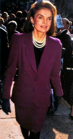 Jackie Kennedy, Southampton, Style And Grace, Jfk, Timeless Beauty, Style Icons, Skirt Suits, Classy, Alexander Hamilton