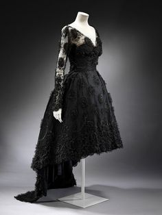 Cocktail Dress    Michael Sherard, 1958    The Victoria & Albert Museum.