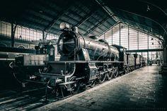 https://flic.kr/p/FukKTg   Museo del Ferrocarril   El Museo del Ferrocarril de Madrid (España) está dedicado a la custodia y estudio del ferrocarril de España desde su origen hasta la actualidad. Inaugurado en 1984 en su actual sede, la histórica estación de Delicias, está gestionado por la Fundación de los Ferrocarriles Españoles y desde el año 2009 forma parte de la Red de Museos de España, adscrito al Ministerio de Fomento.