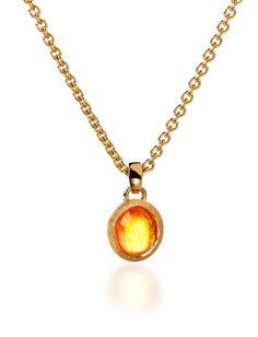 Garnet pendant in yellow gold.