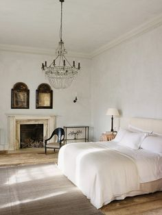 Simple Everyday Glamour: And There is Always a Chandelier