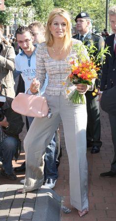 Reine Maxima Monaco Princess, Princess Charlene, Royal Fashion, Fashion Looks, Queen Maxima, Queen Letizia, Pantalon Large, My Fair Lady, Princess Outfits