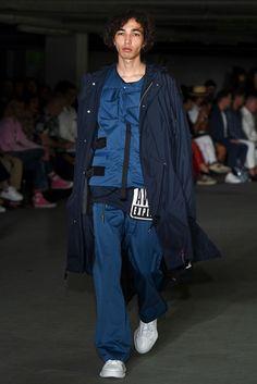 MAISON MIHARA YASUHIRO(メゾン ミハラヤスヒロ) 2018春夏メンズコレクション ランウェイ9枚目