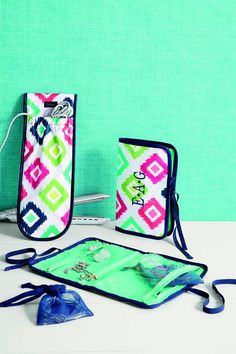 Thirty-One Style Sleeve and Shine on Jewelry Case #ThirtyOneGifts #travel  www.mythirtyone.com/apeterson86