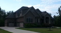 Beautiful Craftsman style home in Ohio (side view)
