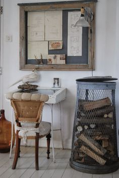 This time we found the most adorable vintage diner look to make your home have the retro vintage style you've always wanted. Vintage Diner, Firewood Storage, Firewood Holder, Do It Yourself Furniture, Piece A Vivre, Interior Exterior, Interiores Design, Vintage Home Decor, Home Office