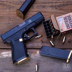 Repost @thegunco ・・・ Gen3 Glock 19 with 2-tone Brass magwell, Brass magazine basepads, Brass mag release, and black drop-in trigger with brass safety. #thegunco #madeintheusa #gunworks #gunsdaily #gunsofinstagram #gunporn #pewpew #gunfanatics #sickguns #defendthesecond #weapons #weaponsreloaded #gunphotography #igmilitia #murica #firearms #gundose #military #militaryarms #weaponsdaily #dailybadass #gunlife #gunchannels #glock #g17 #g19 #glockfanatics