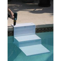 Paws Aboard Pool Pup Steps Using dog stairs in the pool keeps everyone happy; you stay dry while providing a safe, easy escape for your happily-swimming dog. Did you know that each year approximately Ideas De Piscina, Dog Stairs, Moderne Pools, Dog Ramp, Pool Decks, Pool Backyard, Pool Steps Inground, Backyard Ideas, My Pool