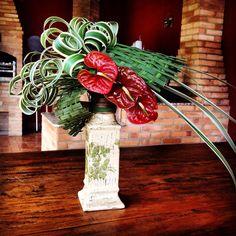 Artist: Neyde Segecs Ikebana Arrangements, Tropical Flower Arrangements, Tropical Flowers, Art Floral, Floral Design, Corona Floral, Church Flowers, Flower Fashion, Flower Decorations