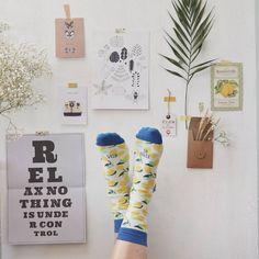 #Collaborazione con #UOStudio  #ContentCreation #VisualContentCreation #InstagramPost #photoshooting   #Vintage #stilllife #socks Still Life, Las Vegas, Photo Wall, Gallery Wall, Frame, Vintage, Instagram, Decor, Picture Frame