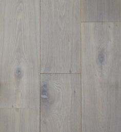 Naast de populaire wit geoliede parket vloer, is de grijze combinatie van witte olie met roken ook veel aangevraagd. Productnr. FL2004-DEDRWG-18. https://gadero.nl/multiplank-rustiek-parket-dubbel-gerookt-wit-olie-18cm/