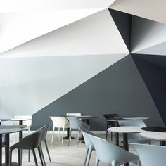 Are you looking to brighten up a dull room and searching for interior design tips? One great way to help you liven up a room is by painting and giving it a whole new look. Flur Design, Design Café, Wall Design, House Design, Commercial Design, Commercial Interiors, Interior Architecture, Interior And Exterior, Architecture Geometric