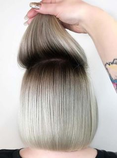 Image result for shadow roots Root Smudge Blonde, Shadow Root Blonde, Blonde Hair Colour Shades, Hair Color Highlights, Hair Shadow, Shadow Roots, Blonde Bob Haircut, Blond Bob, Dark Roots Blonde Hair