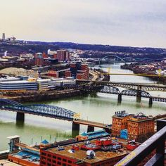 Looking over Pittsburgh and the river #steelers #Pittsburgh #YWAM #pa #picoftheday #photooftheday #igers #instagood #river #bridge #beautiful #landscape by toddyeddy808 http://bit.ly/dtskyiv #ywamkyiv #ywam #mission #missiontrip #outreach