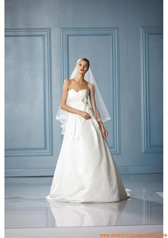 Belle robe de mariée simple 2013 blanche bustier taffetas