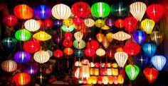 ベトナム中部の町ホイアンでは、満月になる毎月旧暦の14日に「ランタン祭」が開かれています。