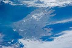 Clouds part over the N.Atlantic to reveal Ireland 2 smilin eyes living & working on the #ISS Courtesy of @FragileOasis