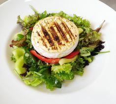 Denné menu Vranov   Výber šalát. listov a čerstvej zeleniny s gril. enciánom, preliaty olivovým olejom #DenneMenu #Restauracia #Salat #Encian #GrilovanyEncian #GrilledEncian Reštaurácia Hotel Patriot***
