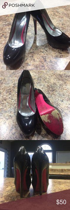 Fun pink soles heels Fun pink sole patent leather heels. Gently used Shoe Dazzle Shoes Heels
