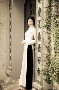 Ao Dai Vinh | White Traditional Ao Dai