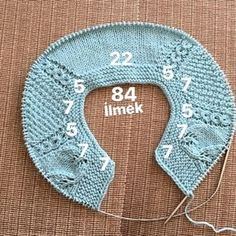 1 year old baby vest. Easy Knitting Patterns, Knitting For Kids, Knitting Stitches, Baby Knitting, Cardigan Bebe, Baby Cardigan, Knitted Baby Clothes, Crochet Baby Booties, Knitting