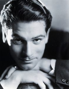 Laurence Olivier (1907 – 1989) | Starred in Henry V, Hamlet, Wuthering Heights, Othello, & Rebecca
