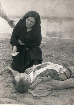 Bombardeo de Lleida (Air Raid on Lleida)  1937 November 3rd - Spanish Civil War by Agustí Centelles (Valencia, Spain, 1909 - Barcelona, Spain, 1985)
