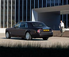 Phantom Extended Wheelbase has a remarkable presence. It delivers the ultimate Rolls-Royce experience, in terms of both luxury and presence. The additional 250 mm of legroom in the rear passenger compartment not only offers an interior space of lounge-like proportions it also increases the possibilities for Bespoke customisation. It's an indulgent private space. One that is perfect to work, entertain or relax in between engagements.