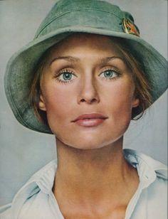 Lauren Hutton, photographed by Richard Avedon for Vogue (1973)