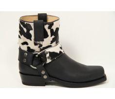 Sendra boots and belts handmade in Spanje western boots #passievoorschoenen bij Aad van den Berg schoenen http://www.aadvandenberg.nl/damesschoenen/sendra/