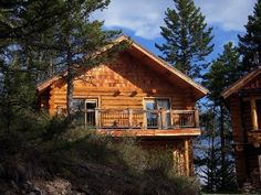 Blue Moon Cabin - Dream, Reflect, Relax...Montana Style!