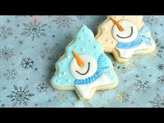 I made cute Snowman Cookies. In this videos I show you how decorate cookies with royal icing, making a snowman. I love to bake, decorate cookies, cake. Snowman Cookies, Christmas Tree Cookies, Iced Cookies, Noel Christmas, Christmas Desserts, Cupcake Cookies, Christmas Baking, Christmas Cookies, Sugar Cookie Royal Icing