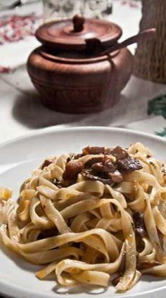 Tallarines con setas calabaza, Receta Petitchef Mushroom Sauce, Mediterranean Recipes, Spaghetti, Stuffed Mushrooms, Ethnic Recipes, Kitchen, Empanadas, Quiches, Carne