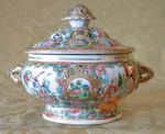 Rose Medallion Tureen, Chinese Export