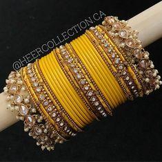 Indian Jewelry Earrings, Indian Jewelry Sets, Jewelry Design Earrings, Indian Wedding Jewelry, Hand Jewelry, Jewelery, Gold Jewelry Simple, Stylish Jewelry, Fashion Jewelry