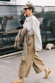 London SS18 Street Style I #StreetStyles #London #FashionPost