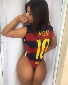 Miss Bumbum Suzy Cortez festeja Bola de Ouro de Messi: 'Chupa, CR7'